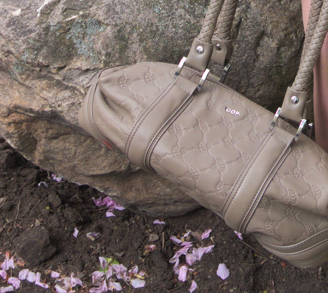 Joop cornflower leather bag