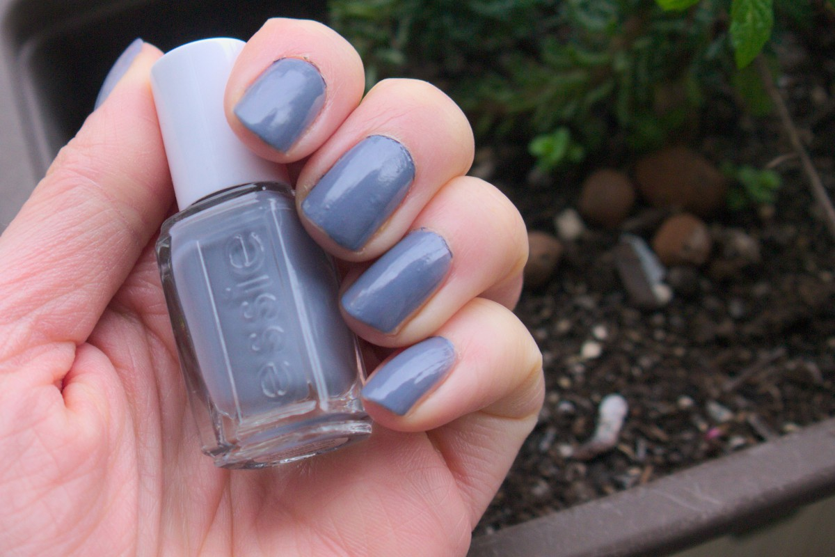 Nail Polish Review: Essie Petal Pushers – Caliope Couture