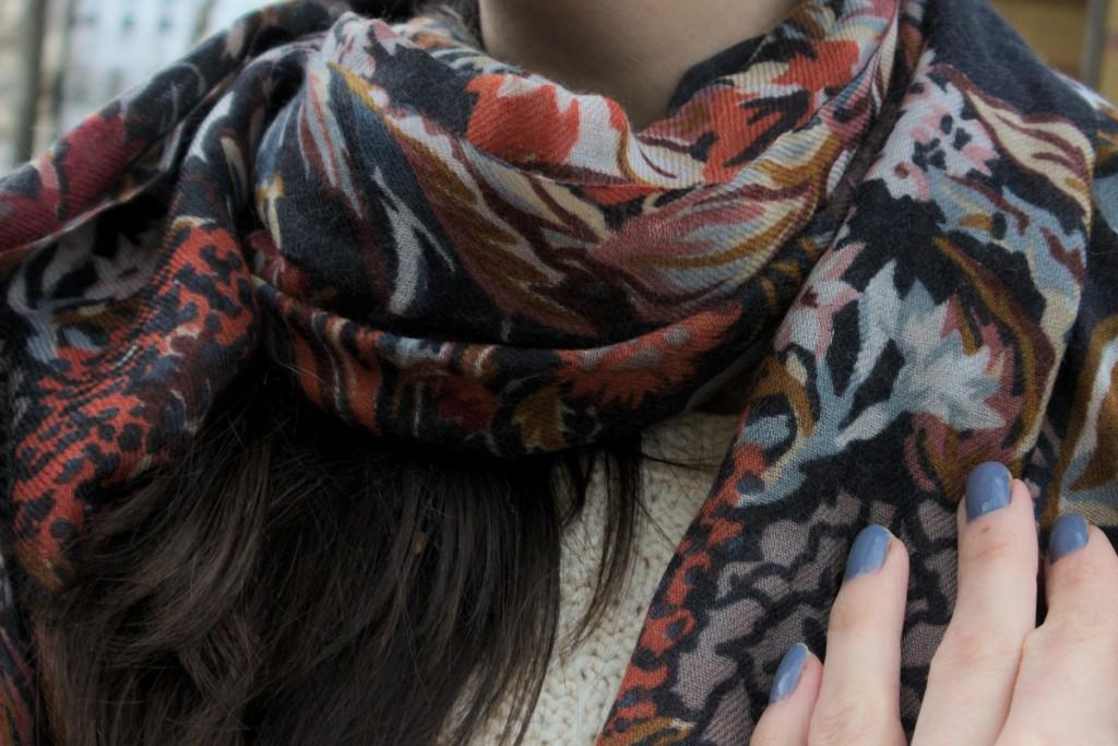 Mala Alisha scarf