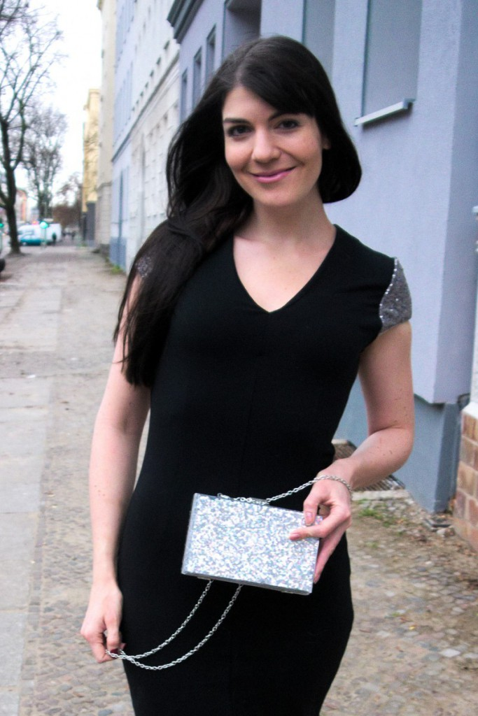 Christmas party dress | New Look glitter clutch