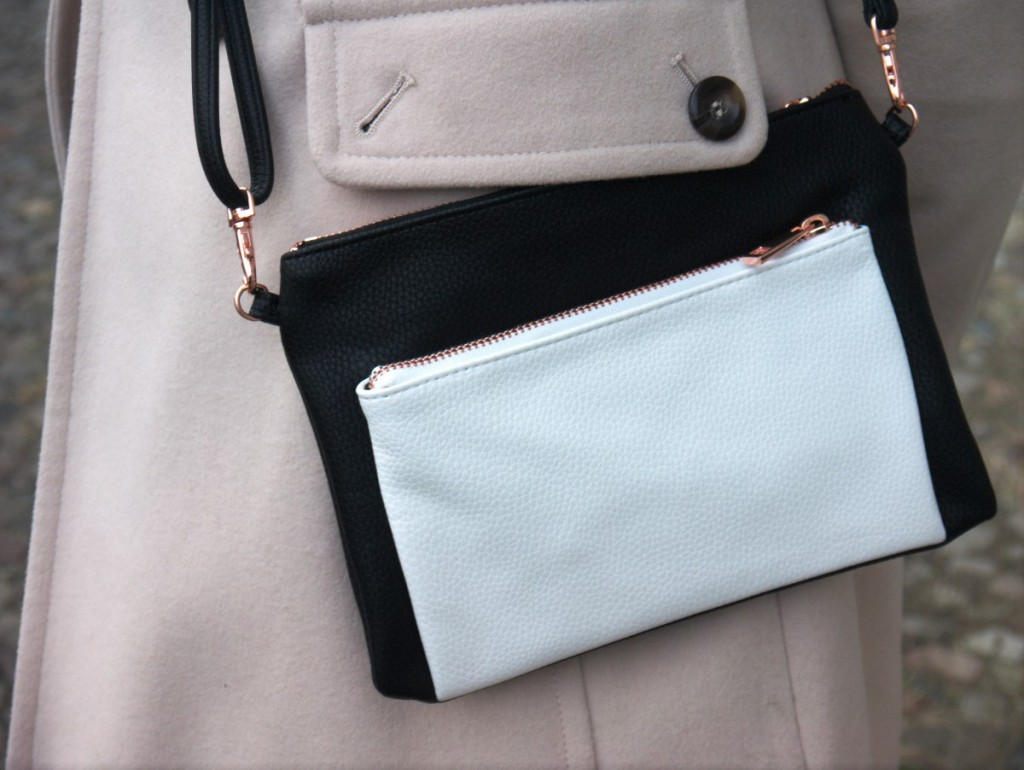 Black and White Shoulder Bag with Rose Gold Details by Tchibo