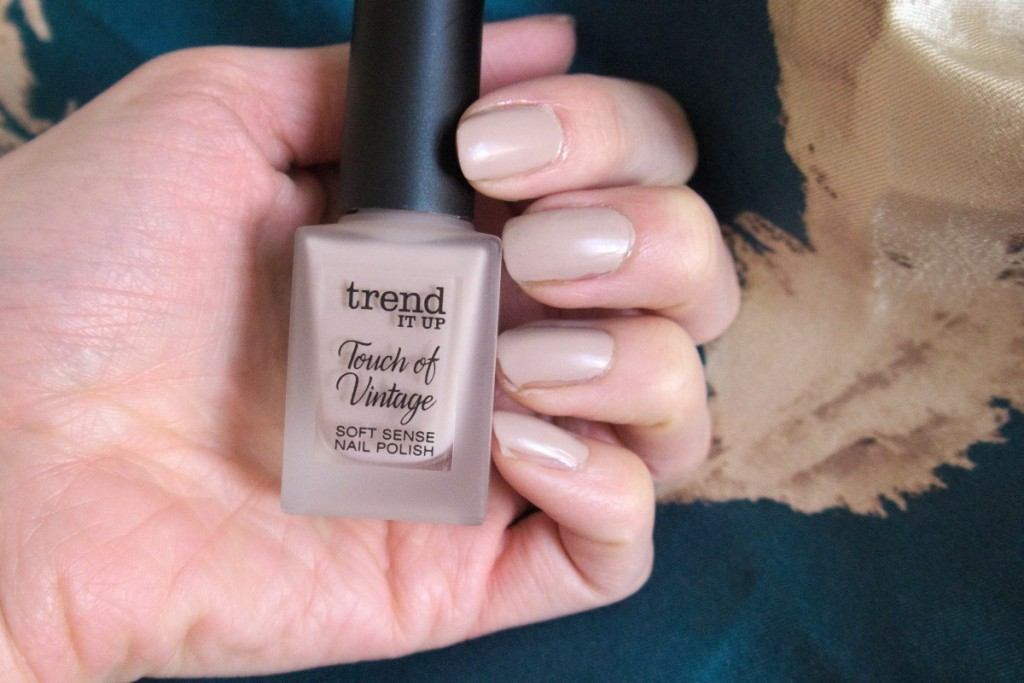 trend IT UP touch of vintage beige 030 nail polish