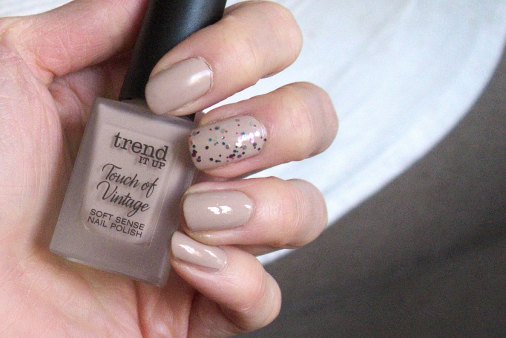 trend IT UP nail polish touch of vintage 030 beige