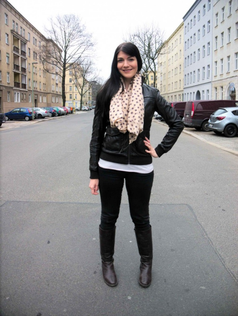 Faux leather jacket and star scarf