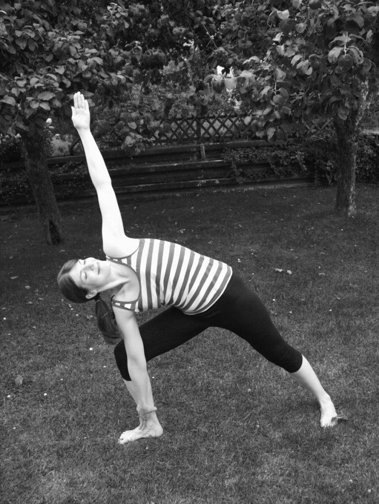 Yoga Triconasana