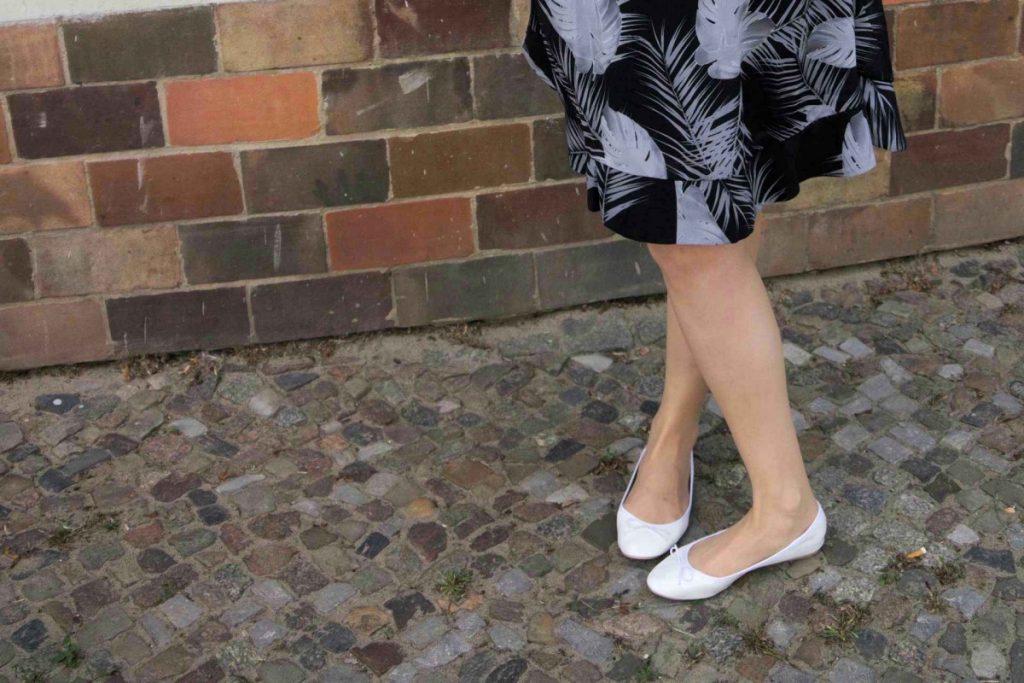 monstera print skirt