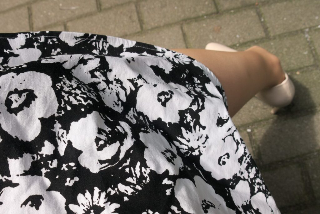 Rosegal black and white floral dress detail