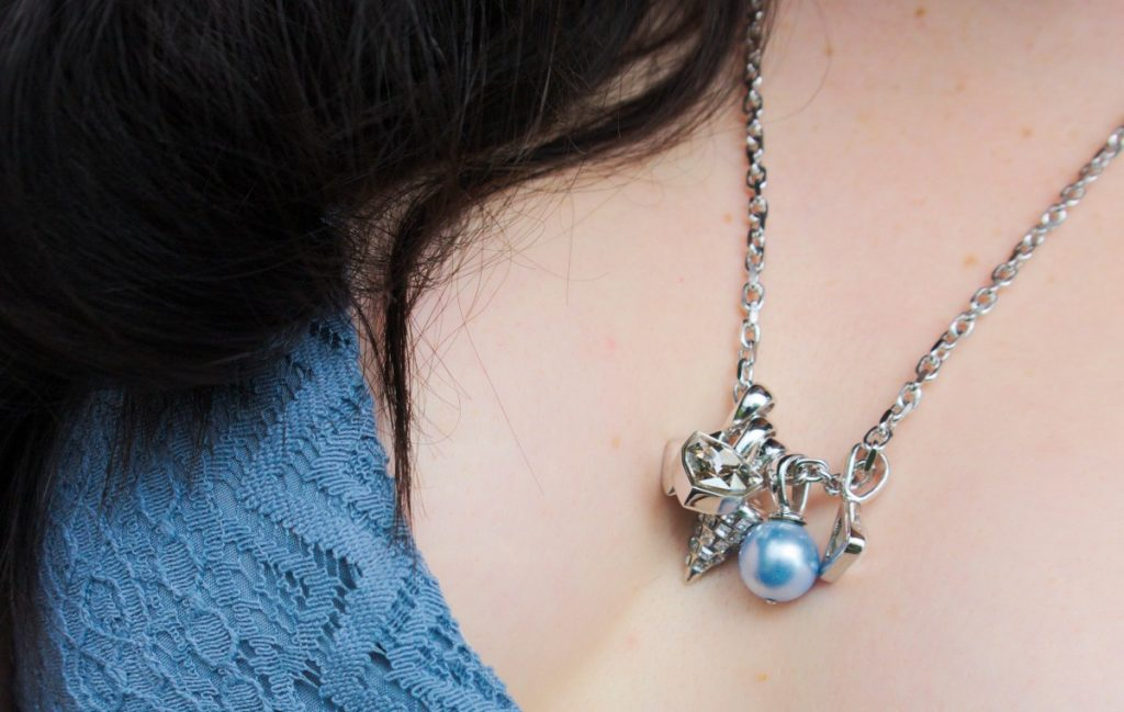 Ca&Lou blue pearl necklace