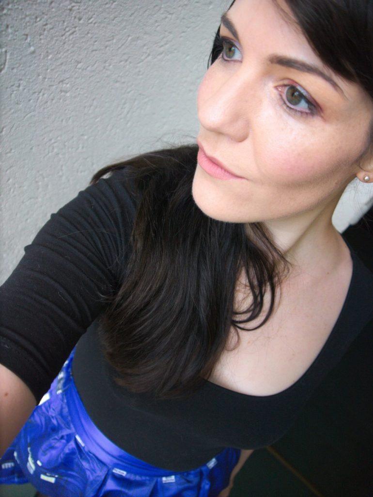 MAC pigment blue brown