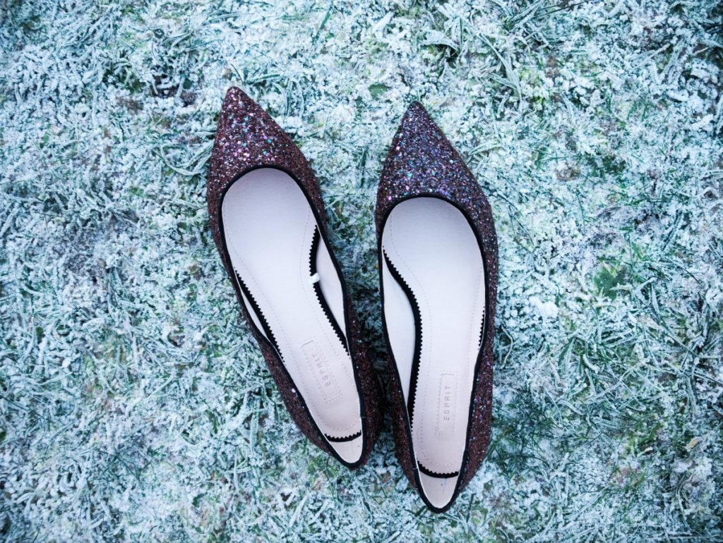 glam pointed flats with glitter