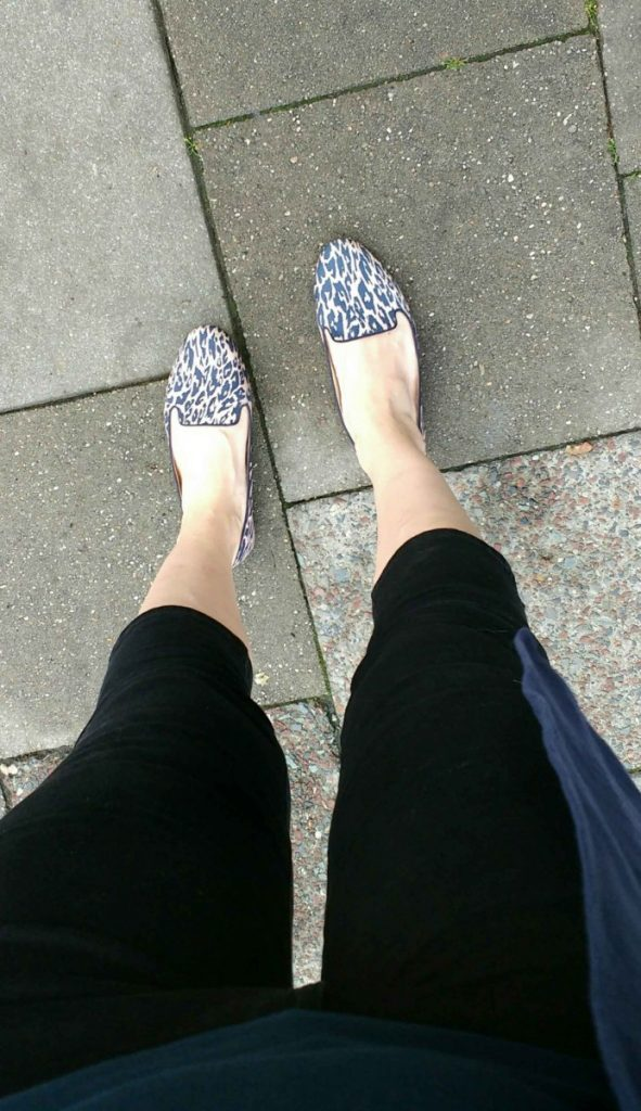 leopard summer loafers and black capri trousers