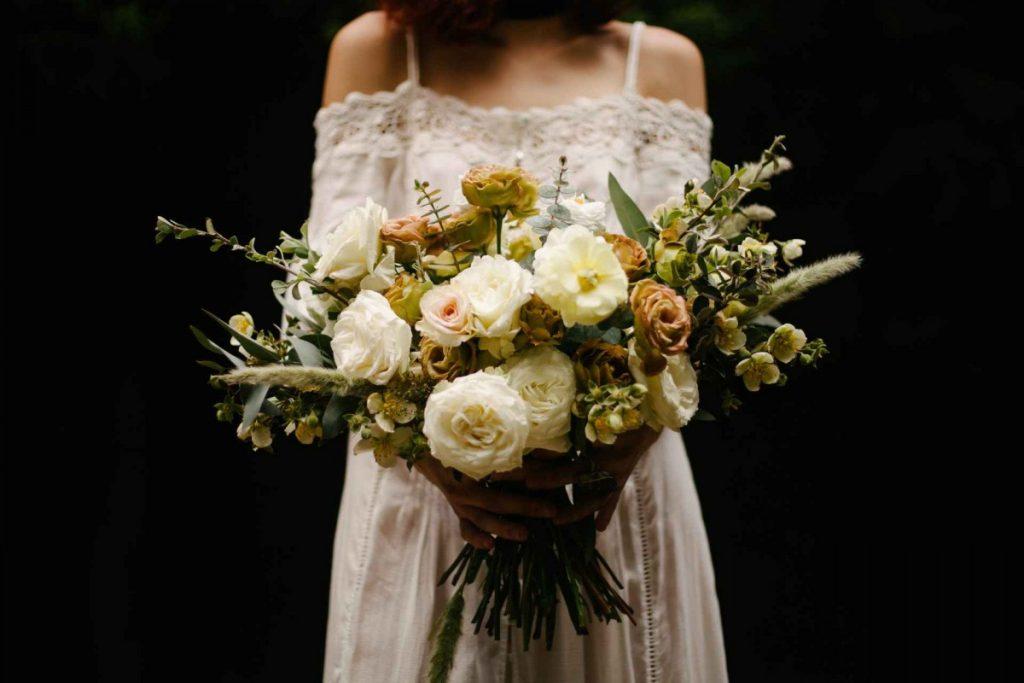wedding bouquet free stock photo by jose-alfredo-lerma-contreras